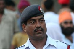"""Indičtí policisté aplikují podezřelým """"sérum pravdy"""""""
