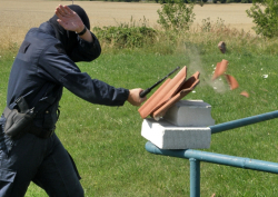 Extrémní test odolnosti teleskopických obušků