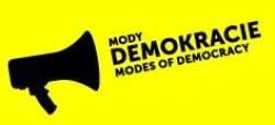 Pozvánka na výstavu Mody demokracie