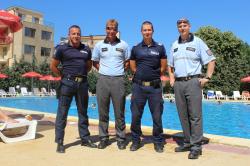 Jaká je služba českých policistů pod horkým bulharským sluncem?