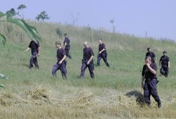 Při pátrání v tom policisté nemusí být sami!