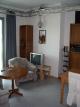 V obývacím pokoji lze jasně vidět zapojení kamery.