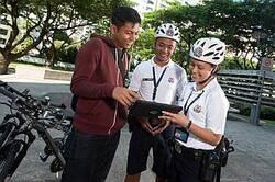 Singapurští policisté v okrsku a nyní s tablety
