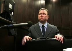 Bývalý policista během soudního líčení
