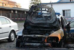 Podpálené služební vozidlo v Praze-Bubnech