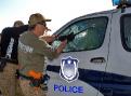 ásilný vstup do automobilu – zde realizovaný s naprosto novým policejním vozidlem. No, až k nevíře…
