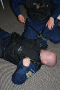 říslušníci městské policie v Banské Bystrici zde drilují nouzové úkony pro ty nejožehavější situace.