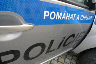Policista nemohl být zraněn obžalovanou, tvrdí soudní znalec