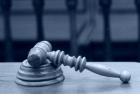 Soud uvěřil zloději a odsoudil policisty