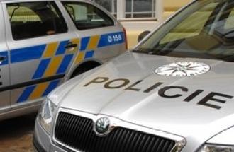 Policejní vozy s černou skřínkou