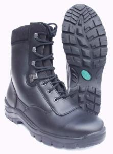 Když do ulic, tak v dobrých botách...