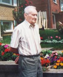 Alois Staňa před svým domem v Kanadě